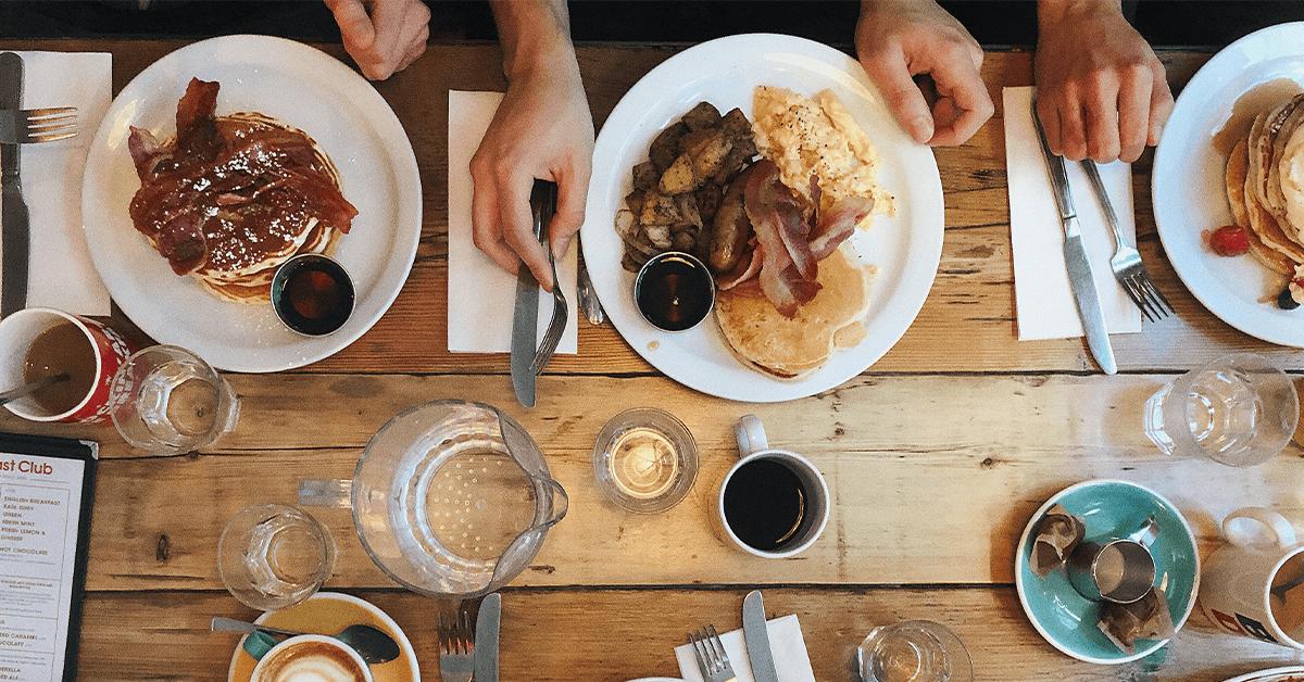 Запек, колит, затлъстяване – чести последици от нездравословното хранене